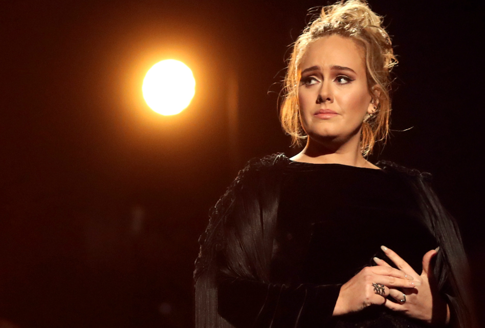 "Adele – ""Fast Love"" live at The 59ª Grammy Awards [VÍDEO/ÁUDIO]"